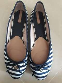 Stradivarius doll shoes