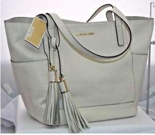 Micheal Kors Large Leather Bag ( beige/ cream)