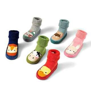 🚚 【現+預】秋冬嬰兒學步軟底襪鞋