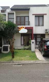 Rumah Emerald Town House, Bintaro