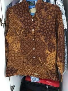 Kemeja batik sutra