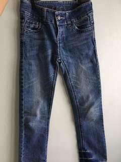 7-9 yo girl jeans (Denim Co / GAP)