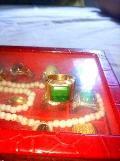 Colombian Emerald with 18k gold ring