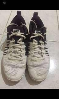 Nike flywire Mens US size 6