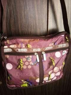 💯Authentic LeSportsac Crossbody bag