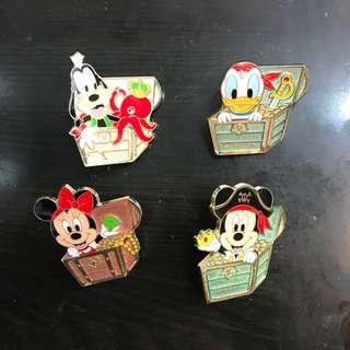 日本迪士尼襟章 Disney game pin