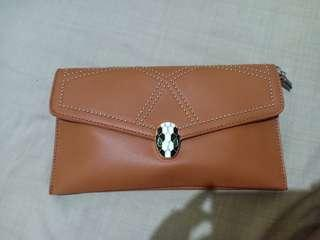 Clutch/slingbag brown