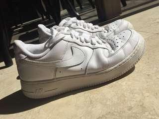 White Nike Air Force