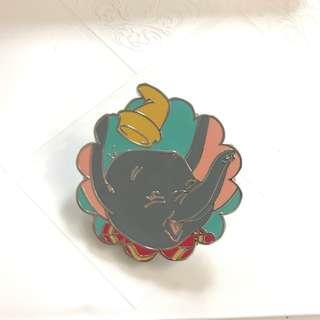外國迪士尼盲盒襟章 DISNEY PIN dumbo disney pin trading 迪士尼徽章交換
