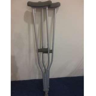Shoulder Crutches / Tongkat Ketiak (M)