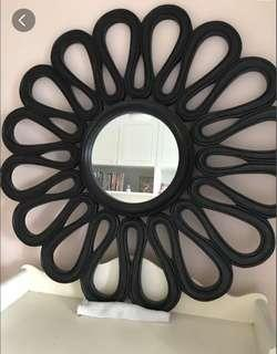 Beautiful round mirror