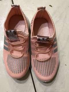 🚚 童鞋18公分