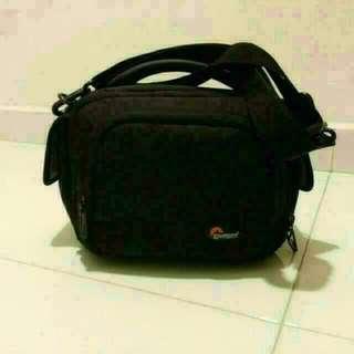 (Pre-loved) Lowepro Clips 120 Camcorder Shoulder Bag
