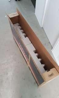 LG OLED 139cm/ 55inches packing box
