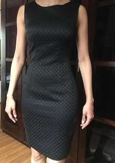 H&M Black Patterned Pencil Dress with Keyhole Detail