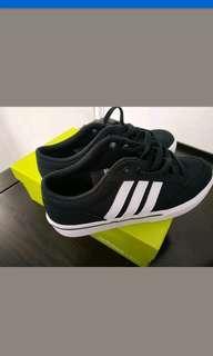 Adidas Neo 8 US