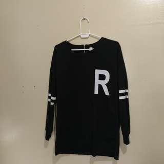 Letter R Pullover with back zip