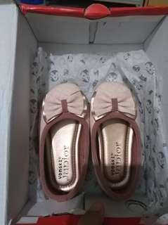 Sepatu baby yongkidz .