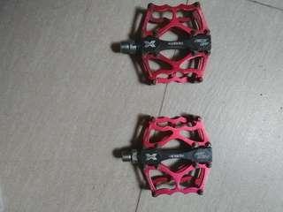 Xpedo Faceoff 13 Platform Pedal Black Red