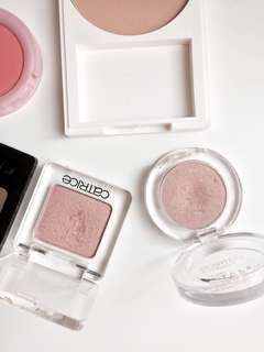 Eyeshadow / Highlighter