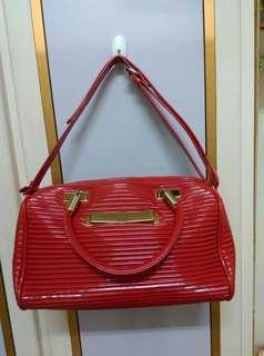 🚚 红色的包
