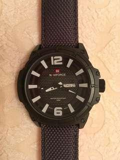 Military look oversized man's quartz watch with fabric/leather strap 大型軍錶款織皮帶石英錶