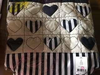 🚚 Naraya handmade hearts shoulder bag (12 inches x 12 inches)