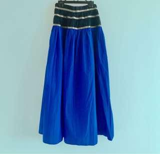 Color / blue maxi skirt : sacai