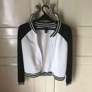RUE 21 BLACK & WHITE BOMBER JACKET
