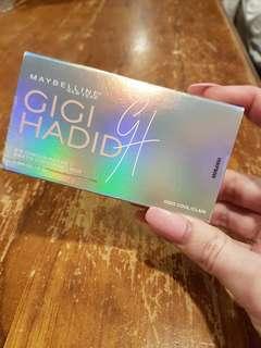 Gigi Hadid eyeshadow palette