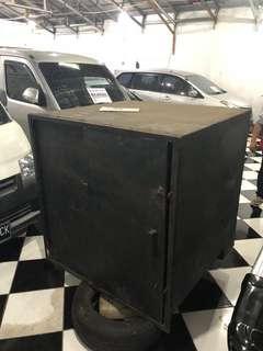 Preloved Brangkas Uang untuk mobil grand max blind van