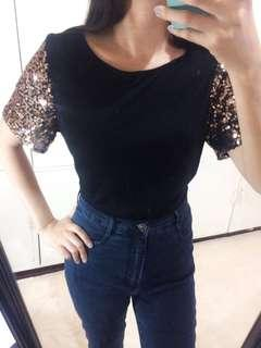 sequence sleeve Top.