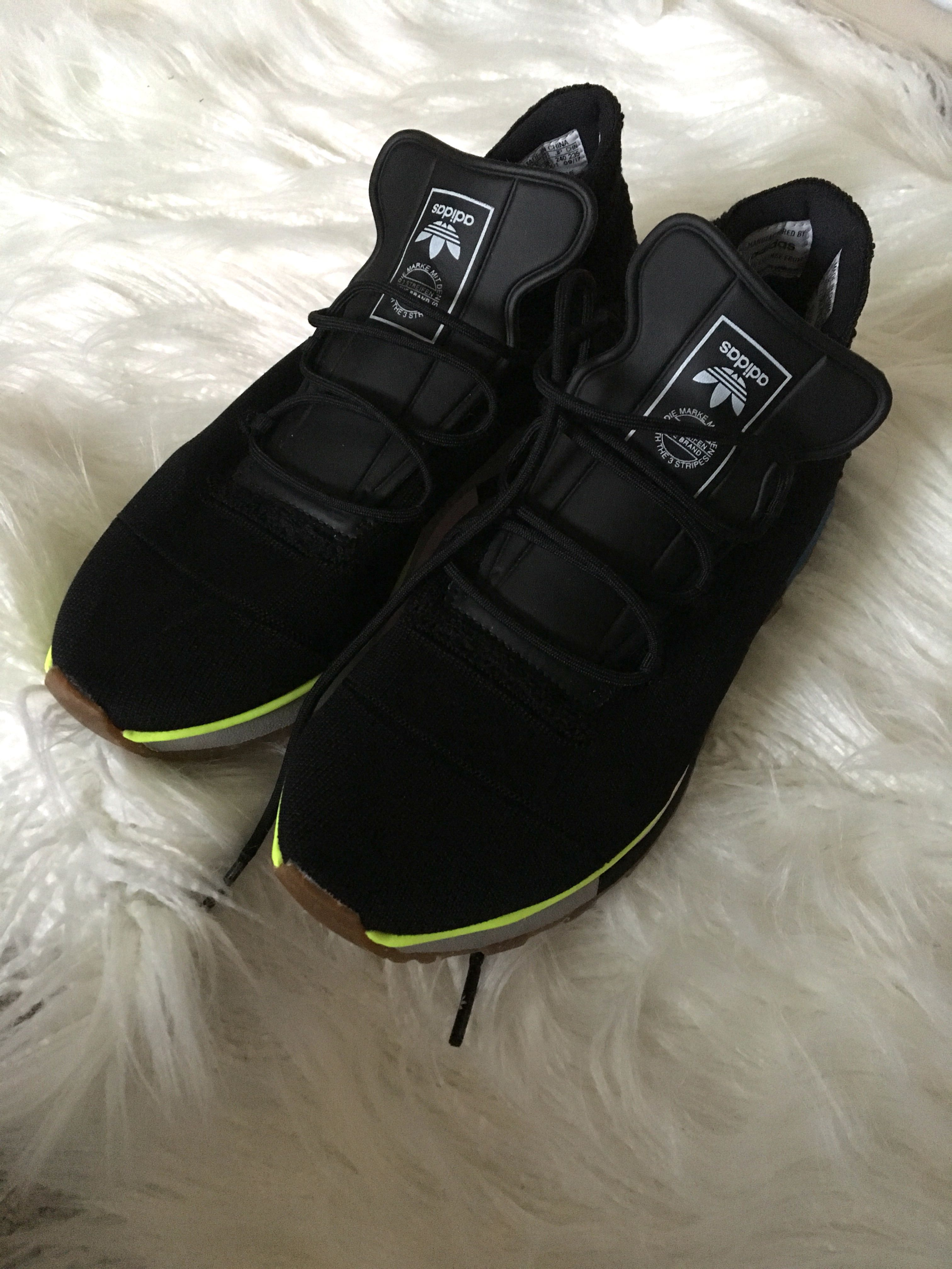check out 3aed5 0e7c1 adidas alexander wang aw run mid