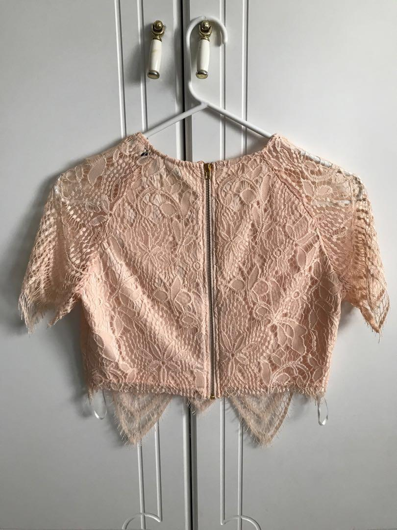 MISSGUIDED Two Piece Set Light Peach Eyelash Lace Top Skirt