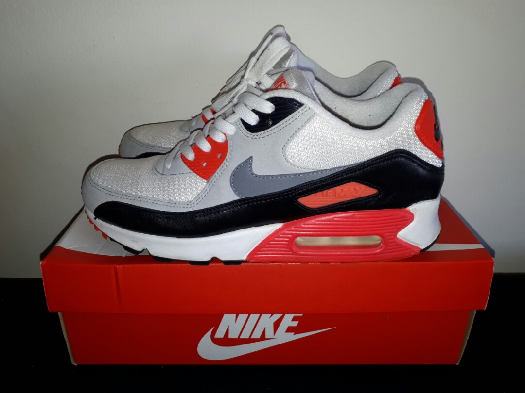 e50442c00c Nike Air Max 90 OG sz 9, Men's Fashion, Footwear, Sneakers on Carousell