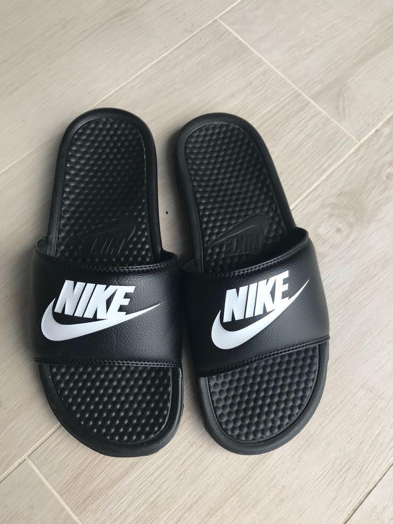 separation shoes 9ca78 616d8 Nike Benassi Sliders, Men's Fashion, Footwear, Slippers ...