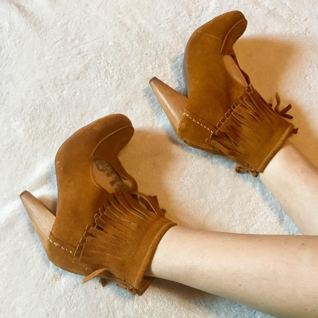 Perfect For Fall - Jeffrey Campbell Tan Suede Booties Size 6