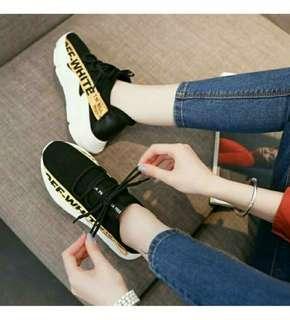 Sepatu off white