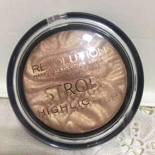 "Makeup Revolution Strobe Highlighter ""Gold Addict"""