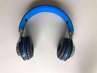 Wireless Blue Headphone