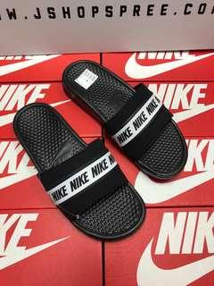 🚚 INSTOCK Authentic Nike Benassi 'Nike Logo' Sliders