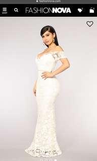 Fashion Nova Lace Maxi dress