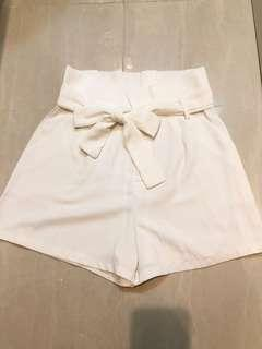 💯%New🇰🇷 Style High Waisted 高腰短褲 Off White 🍼Shorts👖
