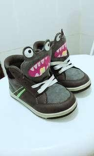 Sepatu anak mother care monster limited edition