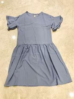 Dropwaist dress with frill sleeves