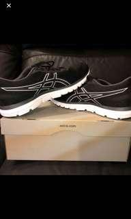 WTS Almost New Asics Gel Zaraca 5 US Size 9.5