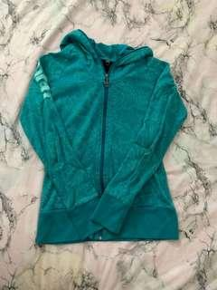 bench sweater size L