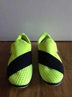 Nike Slip On Sneakers Size 5