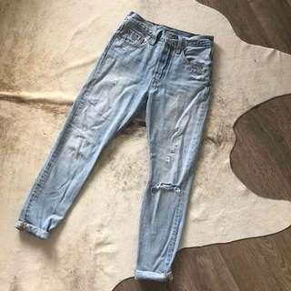 Levi Mom Jeans size 26, 30L