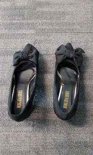 Black Ribbon Heel Shoes